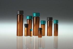 20 mL Amber Borosilicate Screw Thread Vials with Black Phenolic Polycone Lined Cap - Pack of 144